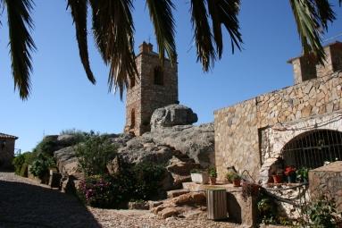 Campanario y pozo ermita VIrgen del Castillo