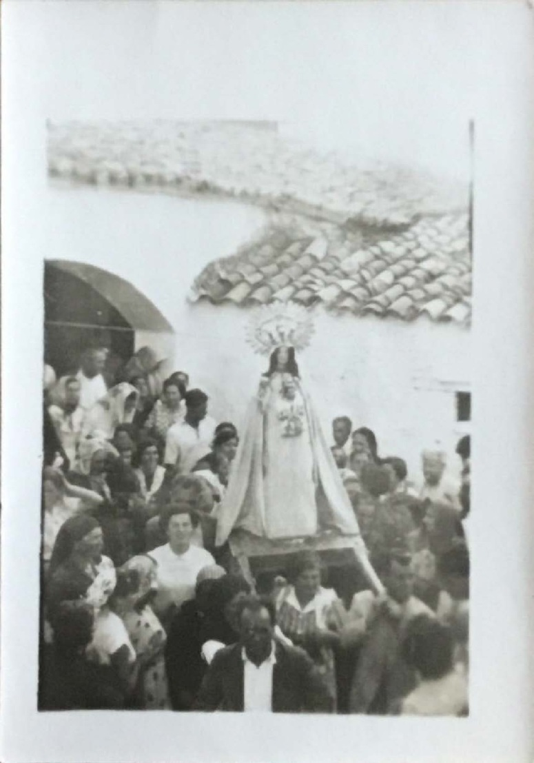 foto antigua Romeria Virgen del Castillo CHILLON